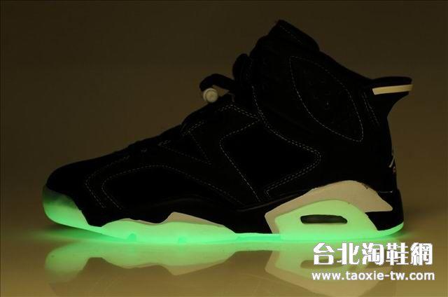乔丹6代发光底女鞋