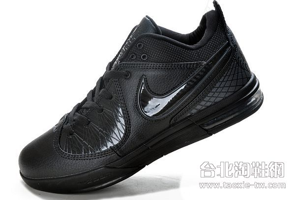 Bron 4 詹姆斯使节4代篮球鞋 全黑色运动鞋